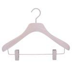 Cintre pour veste, jupe et pantalon avec pinces em bois noble coloris blanc lasuré