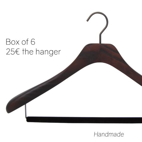 Luxury wooden hangers for suit and jacket with non slip bar