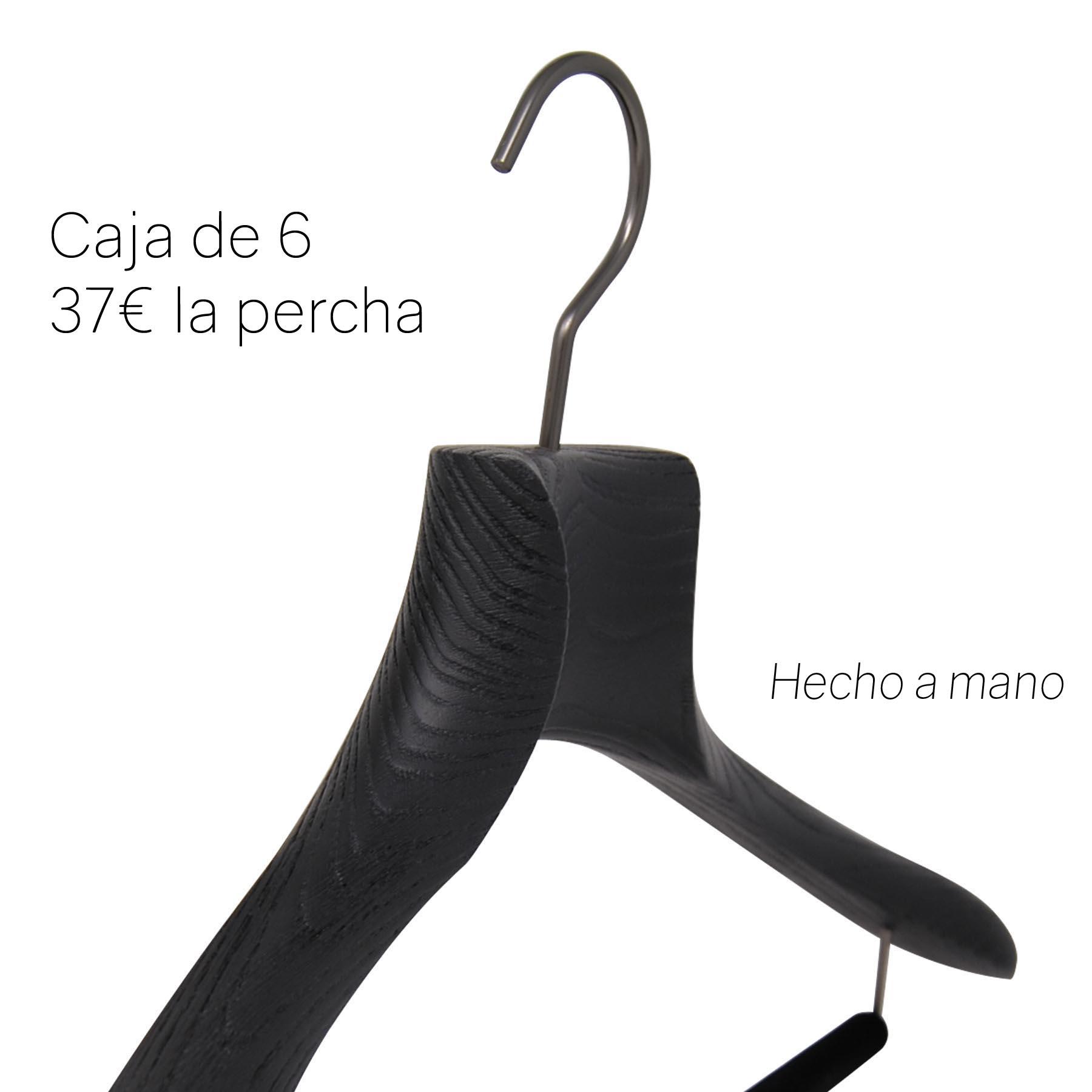 percha de lujo en madera para traje con barra antideslizante